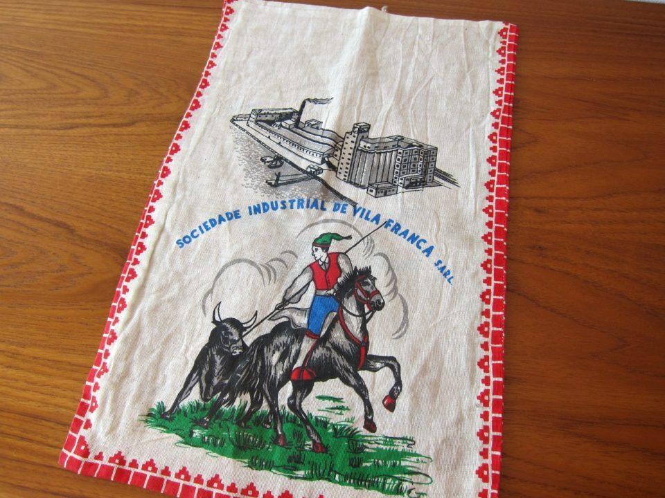 50年代のヴィンテージ布雑貨-ポルトガルの米袋-赤.jpg