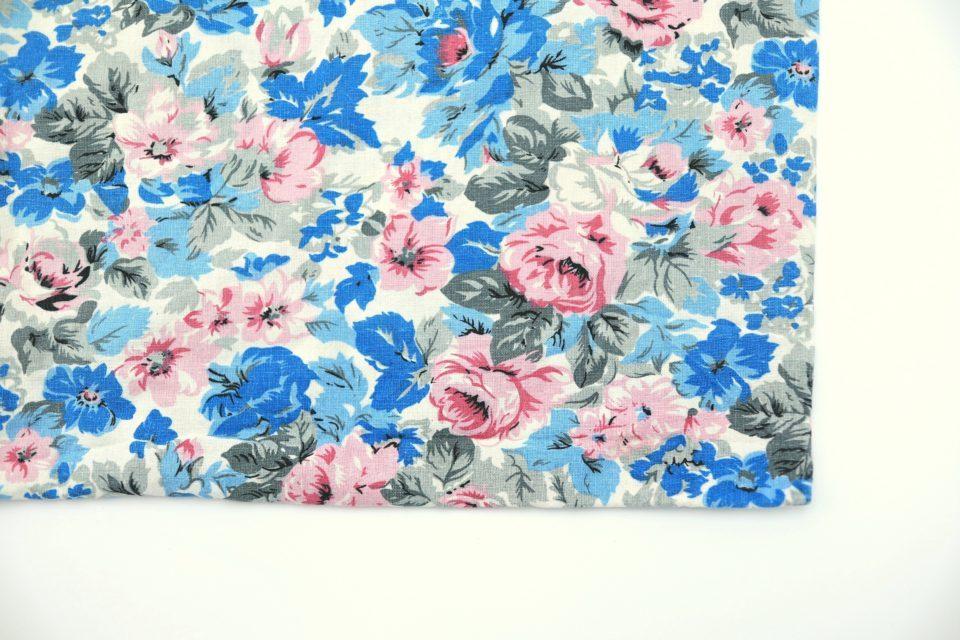 フィンランドで買い付け しっとり青色花模様のレトロ枕カバー