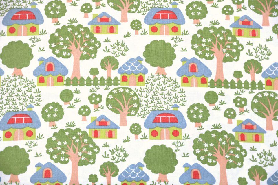 森の中の可愛いお家がいっぱい! レトロファブリック 幅90cm